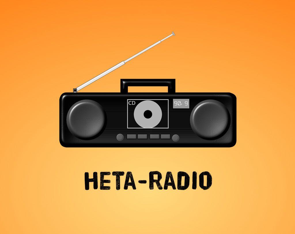 """Kuvassa oranssilla taustalla radio ja teksti """"Heta-Radio"""""""