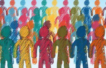 Kuvassa monia, piirrettyjä tikku-ukkomaisia ihmisiä, monen värisiä: pinkkejä, keltaisia, vihreitä, sinisiä, punaisia